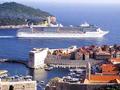 Tisuće gostiju slijevaju se u Dubrovnik s kruzera