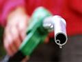 Бензините поевтинуваат за три, дизелот за 2,5 денари по литар
